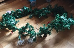 how to reuse an old garland