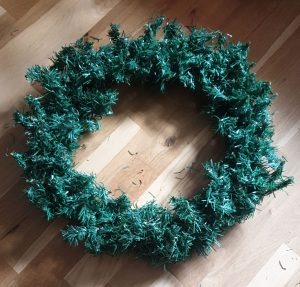 Make a wreath out of a garland